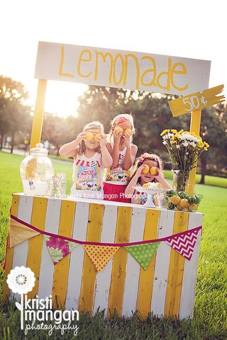 Palm beach child photographer_kristi mangan_lemonade stand photo session_blog
